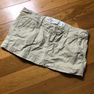 🌈5/$25🌈Hollister Tan Skirt